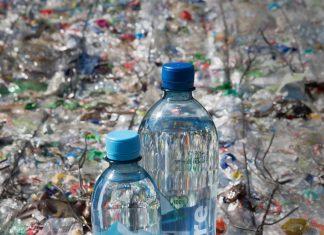 Share Plastikflaschen
