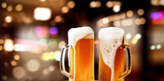 Mit Bier putzen